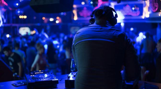 El DJ que hace conexión con los asistentes